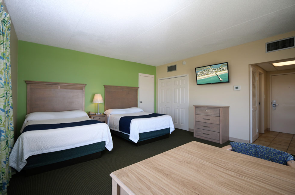 Our adjoining rooms can connect with our Ocean Front Room to accommodate everyone - Accommodation Wrightsville Beach - North Carolina
